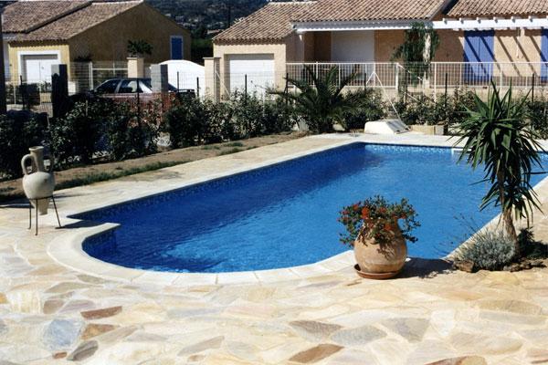 Nos realisations piscines en afrique construction de for Construction piscine 09