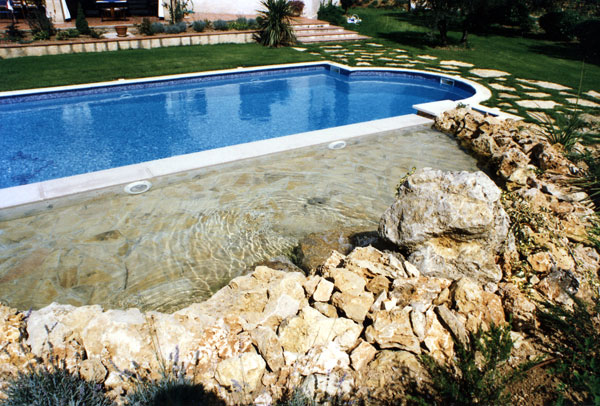 Nos realisations piscines en afrique construction de for Construction piscine 22