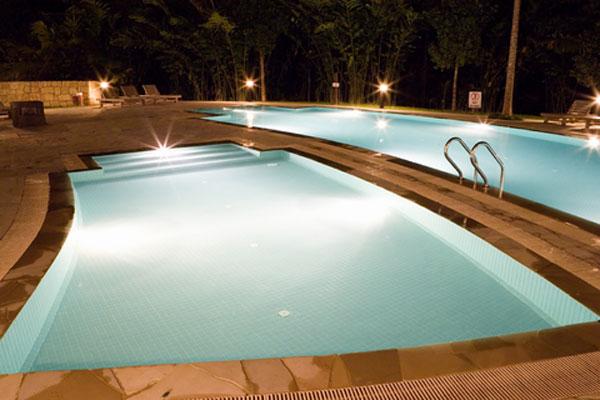 Nos realisations piscines en afrique construction de for Construction piscine 29